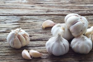 Garlic Essential Oil: (Allium sativum) Garlic Essential Oil Uses and Benefits